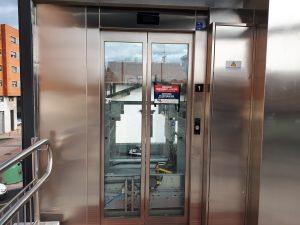 Foto ascensor pasarela Desierto